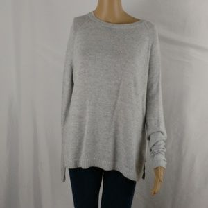 Old Navy knit sweater size small grey
